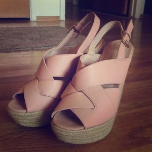 Leila Stone Pink wedges, size 10